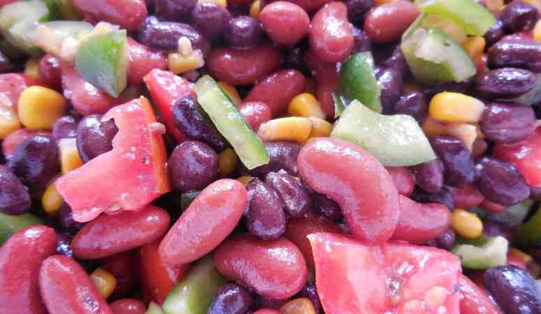 How To Make This Hearty And Delicious Summer Bean Salad