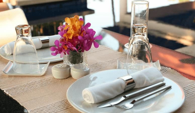 15 Savvy Ways To Save Money At Restaurants