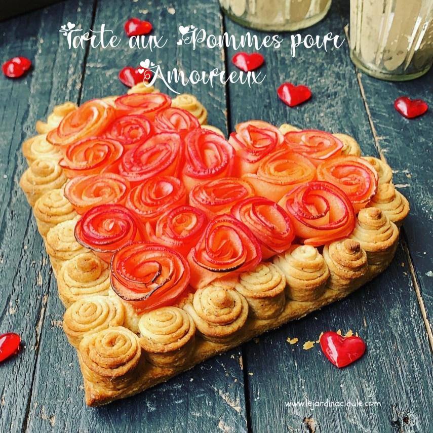 Tarte en forme de coeur et pommes en boutons de roses