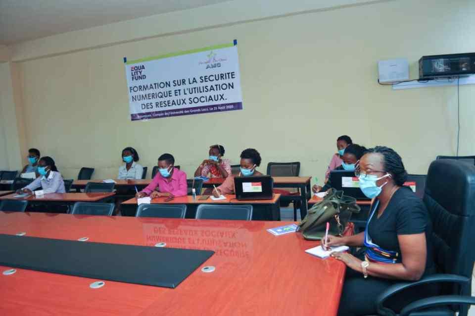 Les participants en pleine formation sur la sécurité numérique/Photo prise par Bizos Ndongozi
