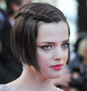 fryzury krótkie z warkoczem