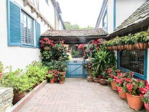 house-carmel-usa-westcoast-flowers