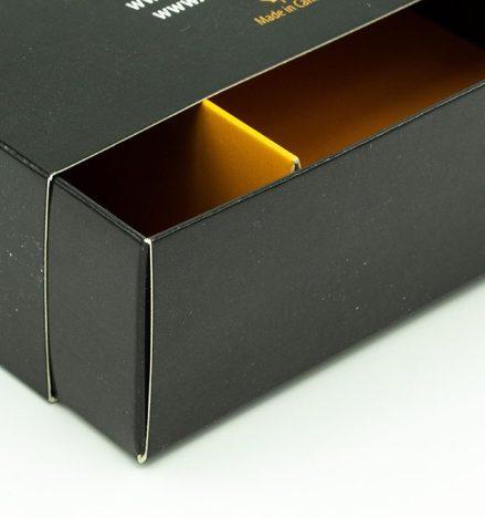 MSM folding carton with custom divider inserts