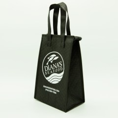 non-woven thermal bag with heat-pressed dots, a zipper closure and 1-colour print