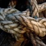 La guilde qui veut garder vivant l'art de faire des noeuds. Il y a un membre canadien.