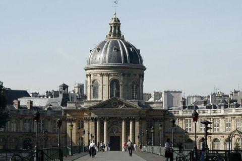 Le dictionnaire de l'Académie française est maintenant en ligne