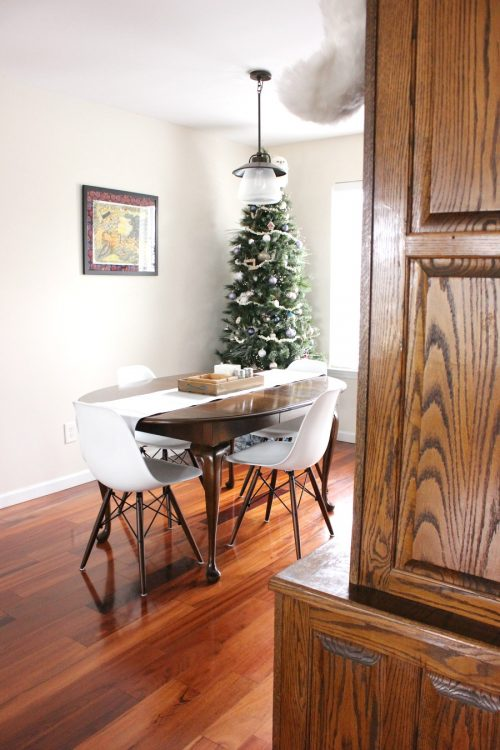 modern minimalist christmas decor dining room