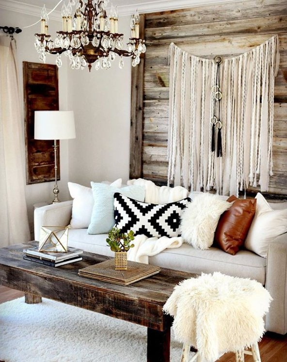 thrift store living room and diy wall hanging from @salvagedior