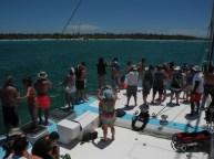 Gente en el catamarán