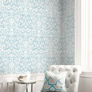 1621112 Seabrook Wallcovering Etten Gallerie Bruxelles Fleur de Lis Damask Blue Room Setting