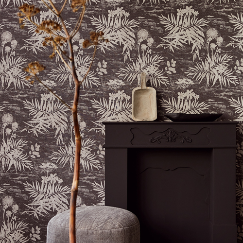 379035 Brewster Wallcovering Eijffinger Lino Hedda Botanical Wallpaper Black Room Setting