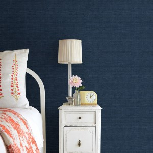 2732-80088 Brewster Wallcovering Kenneth James Canton Road Grasscloth Peninsula Sisal Grasscloth Wallpaper Navy Room Setting