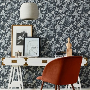 NA0521 York Wallcoverings Candice Olson Botanical Dreams Pressed Leaves Wallpaper Dark Grey Room Setting