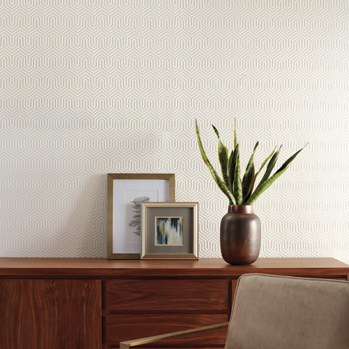 GM7500 York Wallcoverings Geometric Resource Labyrinth Flock Wallpaper White Room Setting