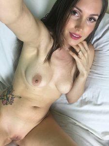 lelu-love-first-iphone-7-plus-naked-selfie