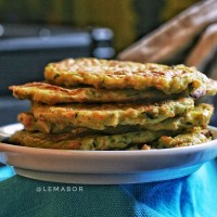 Baked green pea flour and vegetables pancakes