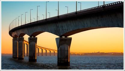 Ré bridge at dawn