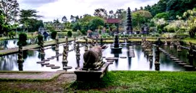 Tirtagangga Water park