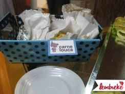 Cesta e identificação dos pratos