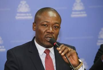 Haïti-Énergie : Le Secrétaire d'État à la Communication annonce la disponibilité du carburant 10