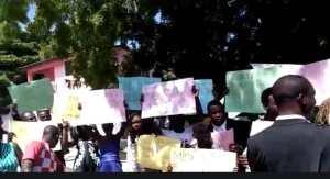 Haïti-Protestation : Les funérailles de Jenniflore Remilien à Ouanaminthe sont transformées en manifestation 1