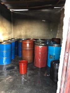 Haïti-Justice: Arrestation d'une dizaine de personnes en possession d'une cinquantaine de barils de carburant à Delmas 31 2