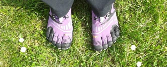 Des chaussures minimalistes 5doigts aux pieds