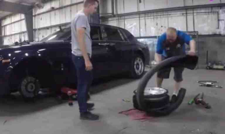 what is inside after cutting the rolls-royce tire_tyre