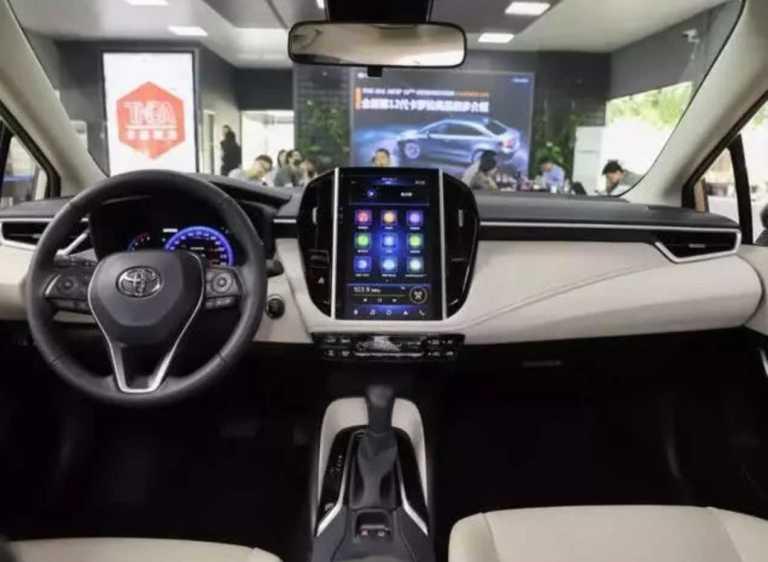 Toyota corolla 2019 dashboard and steering image