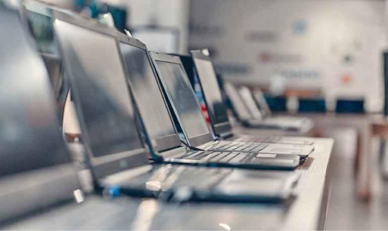 save money buying a laptop