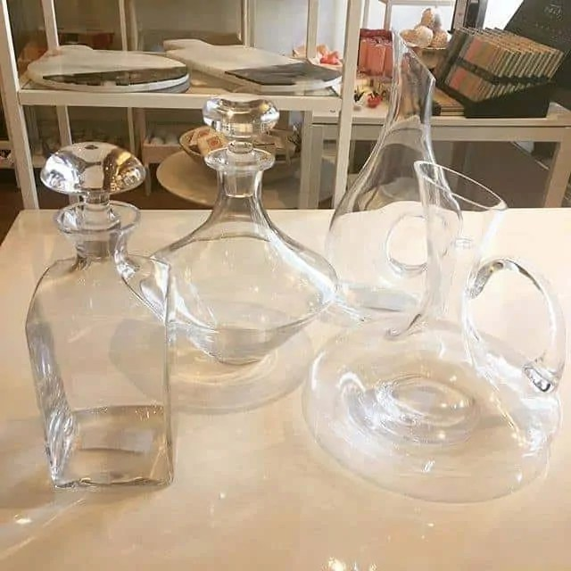 Decanters and carafes