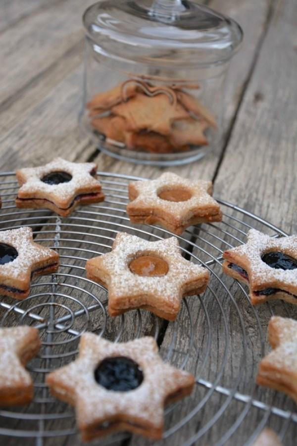 biscuits étoiles au praliné et confiture