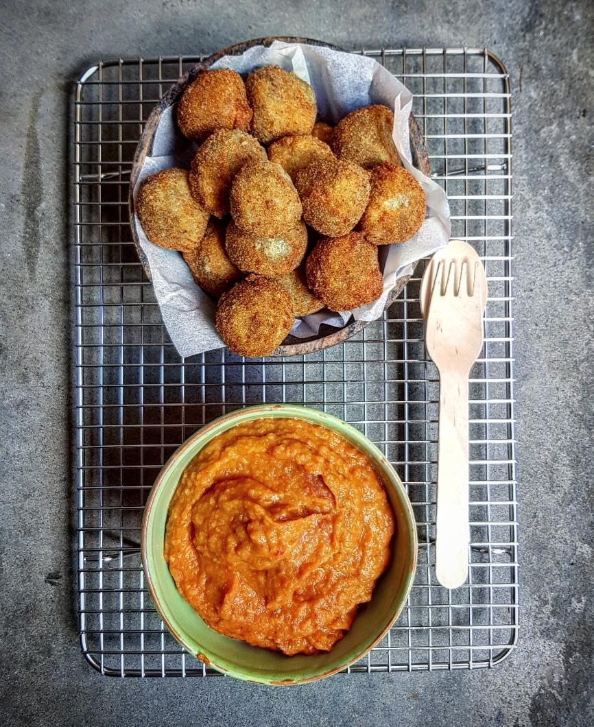 polpette di lenticchie e crema di cannellini e pomodori secchi.jpg