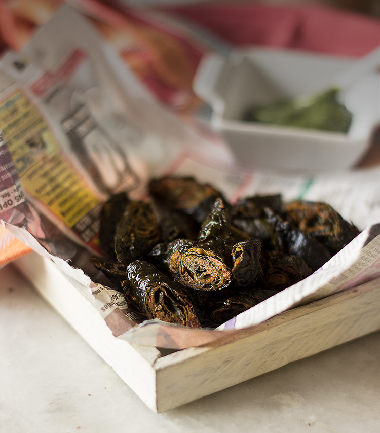 Patode ki Pakori (Colocasia Leaves Fritters)