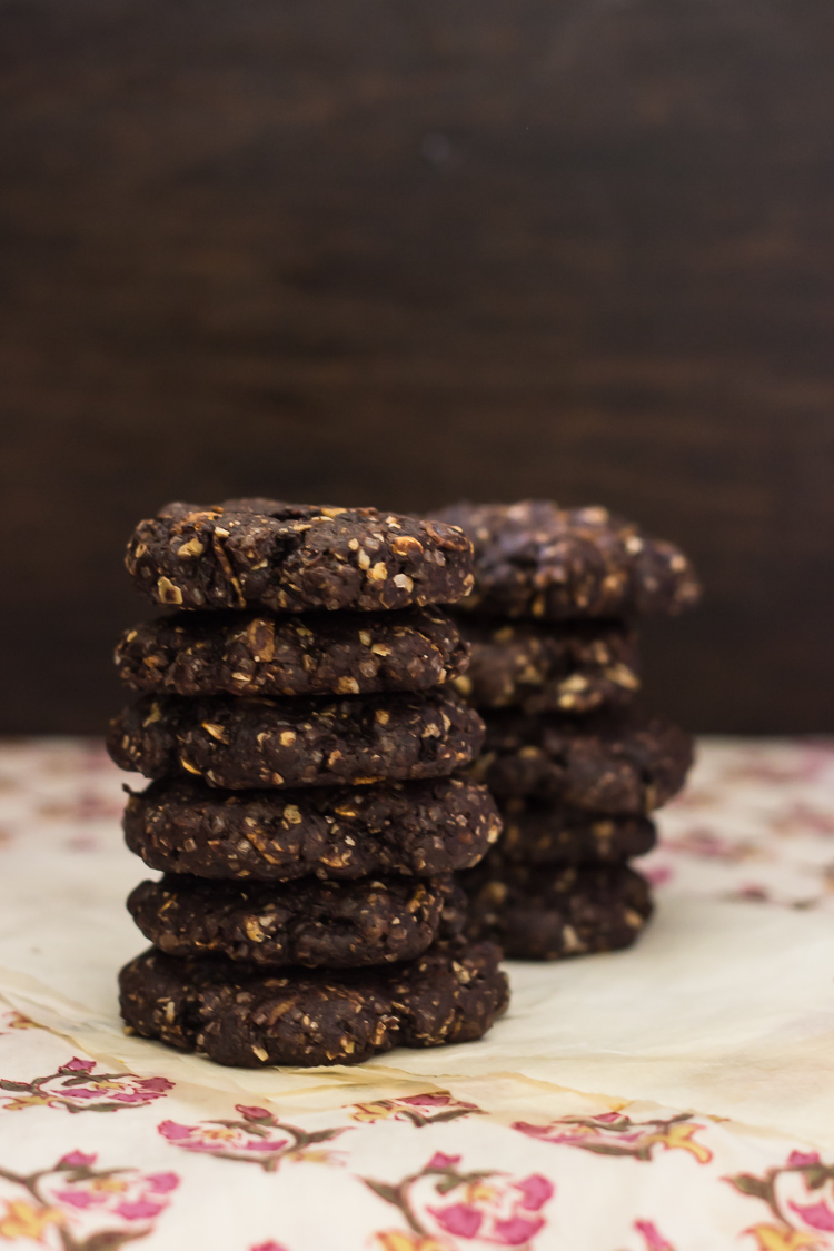 Whole Wheat and Oat Dark Chocolate Brownie Cookies
