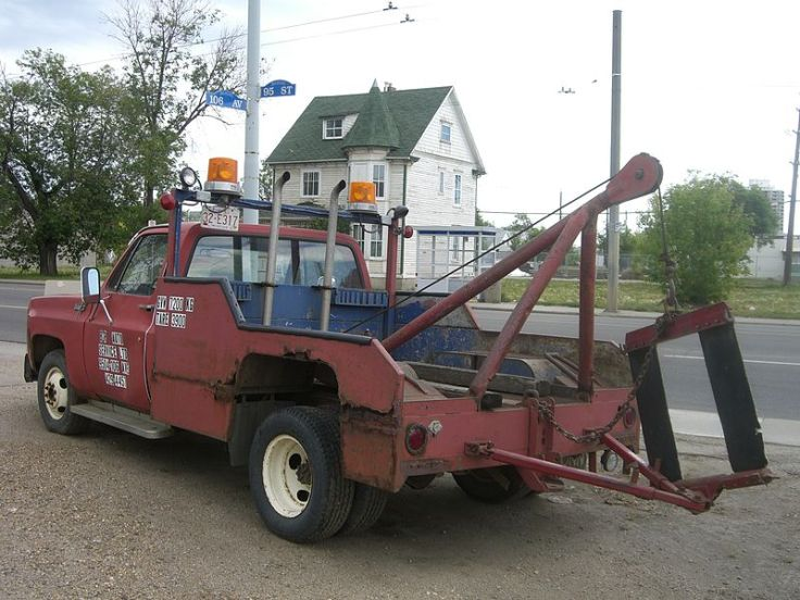 800px-1980s_style_tow_truck