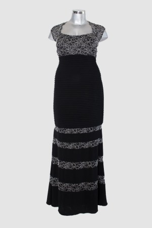 Vestido-largo-negro-con-blanco-corte-sirena-de-renta-en-Puebla_F