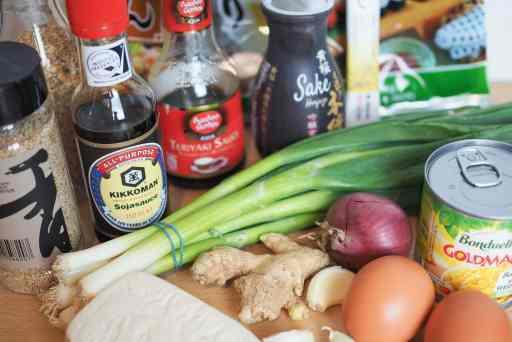Zutaten für Shoyu Ramen mit Teriyaki Tofu. Aus dem Artikel Shoyu Ramen mit Teriyaki Tofu – schnell und lecker