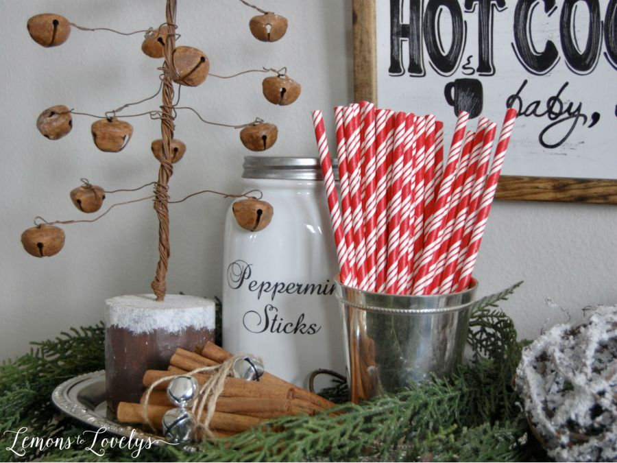 Joyful Holiday Home Tour 2016 www.lemonstolovelys.com