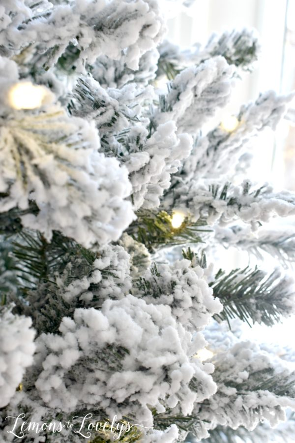 Review Of My King Of Christmas Tree Lemons To Lovelys