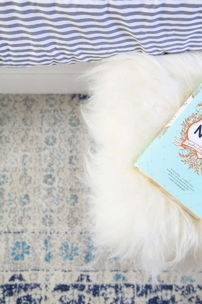 fur-stool-in-the-bedroom