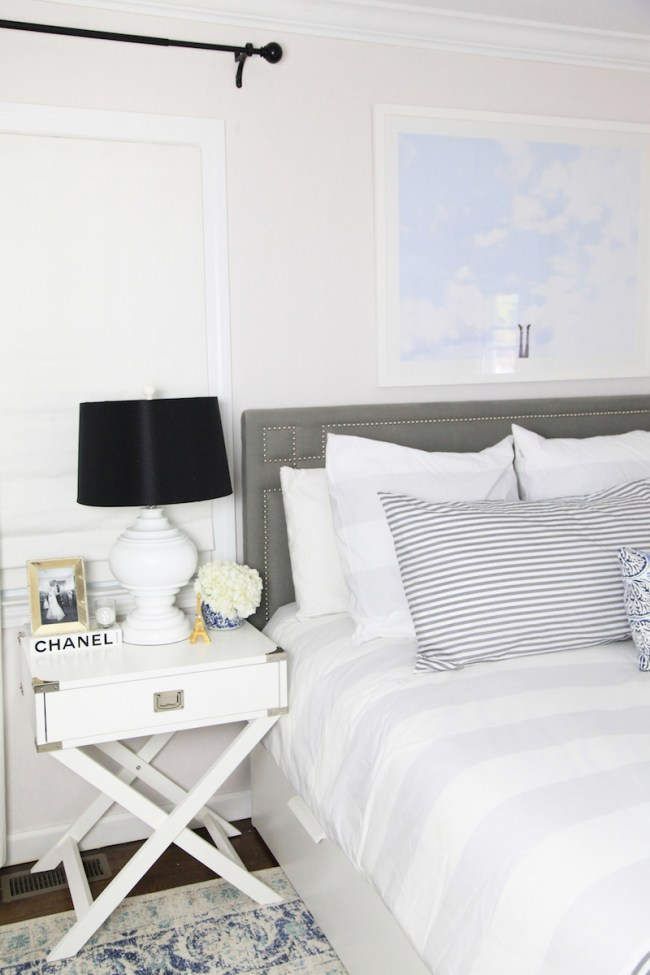 how-to-decorate-with-a-black-lampshade