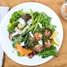 Dinner Salad with Seared Sea Scallops and Greens