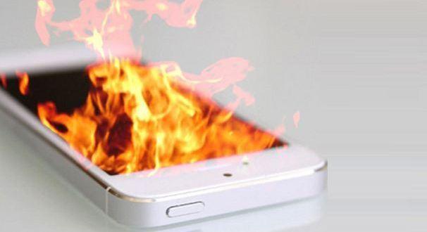 Hentikan Pemakaian Smartphone Jika sudah Panas