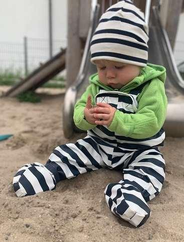 BMS-salopette-bebe-ciré-impermeable-avec-pieds-integres-rayures-marine