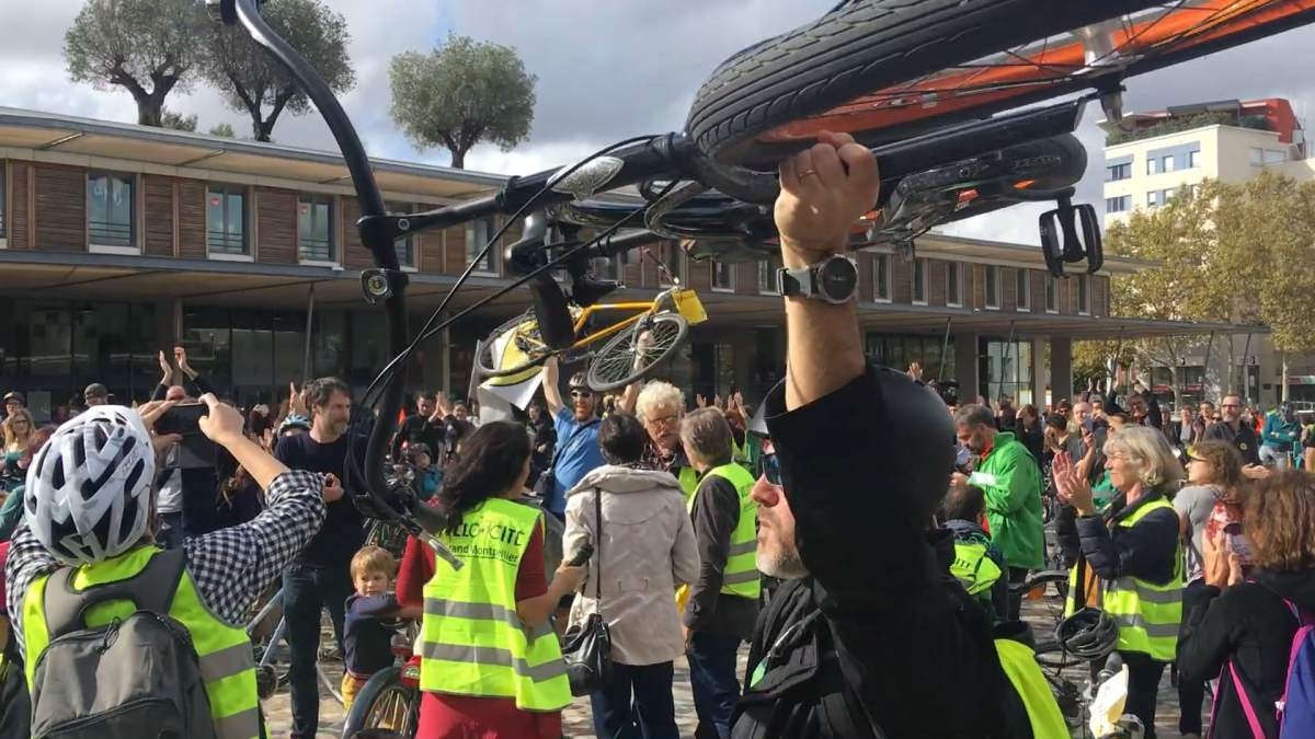 Montpellier, manif citoyenne 1200 cyclistes en colère