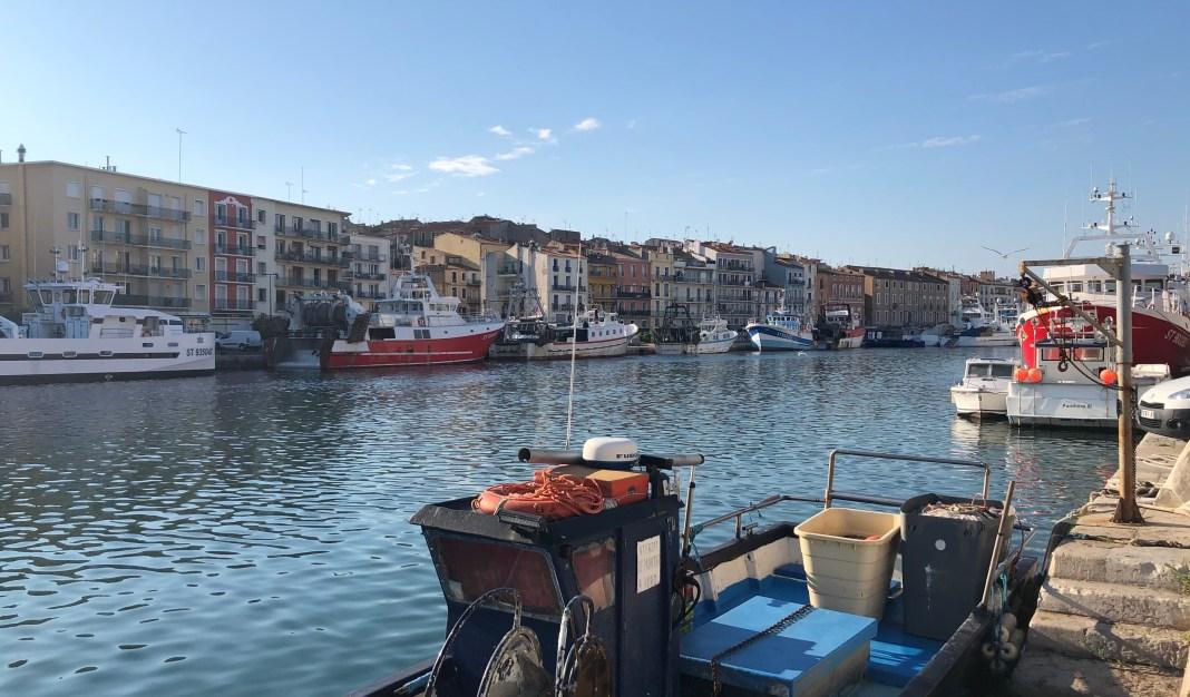 Canal Sète ciel bleu