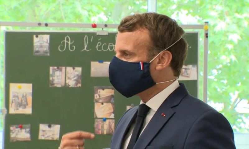 Macron masque noir - Photo © Macron LinkedIn 2020