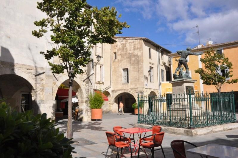 Lunel Place Caladons