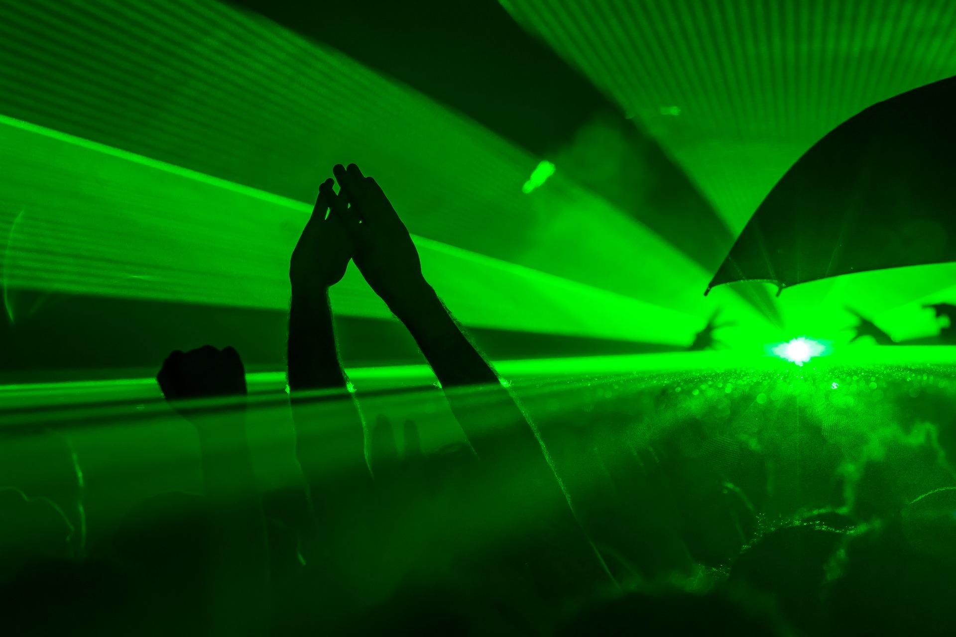 rave party green light ©Aurélien Papa